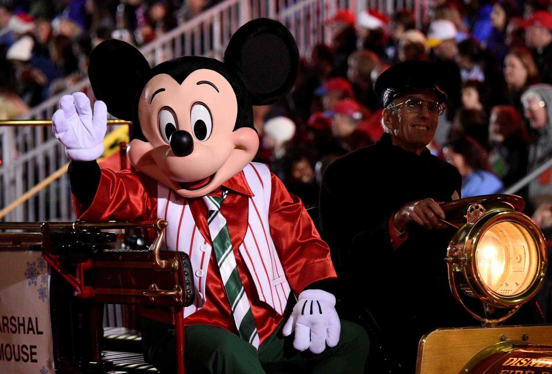 Um desfile de Natal 'à grande e à Hollywood' (desde 1928)
