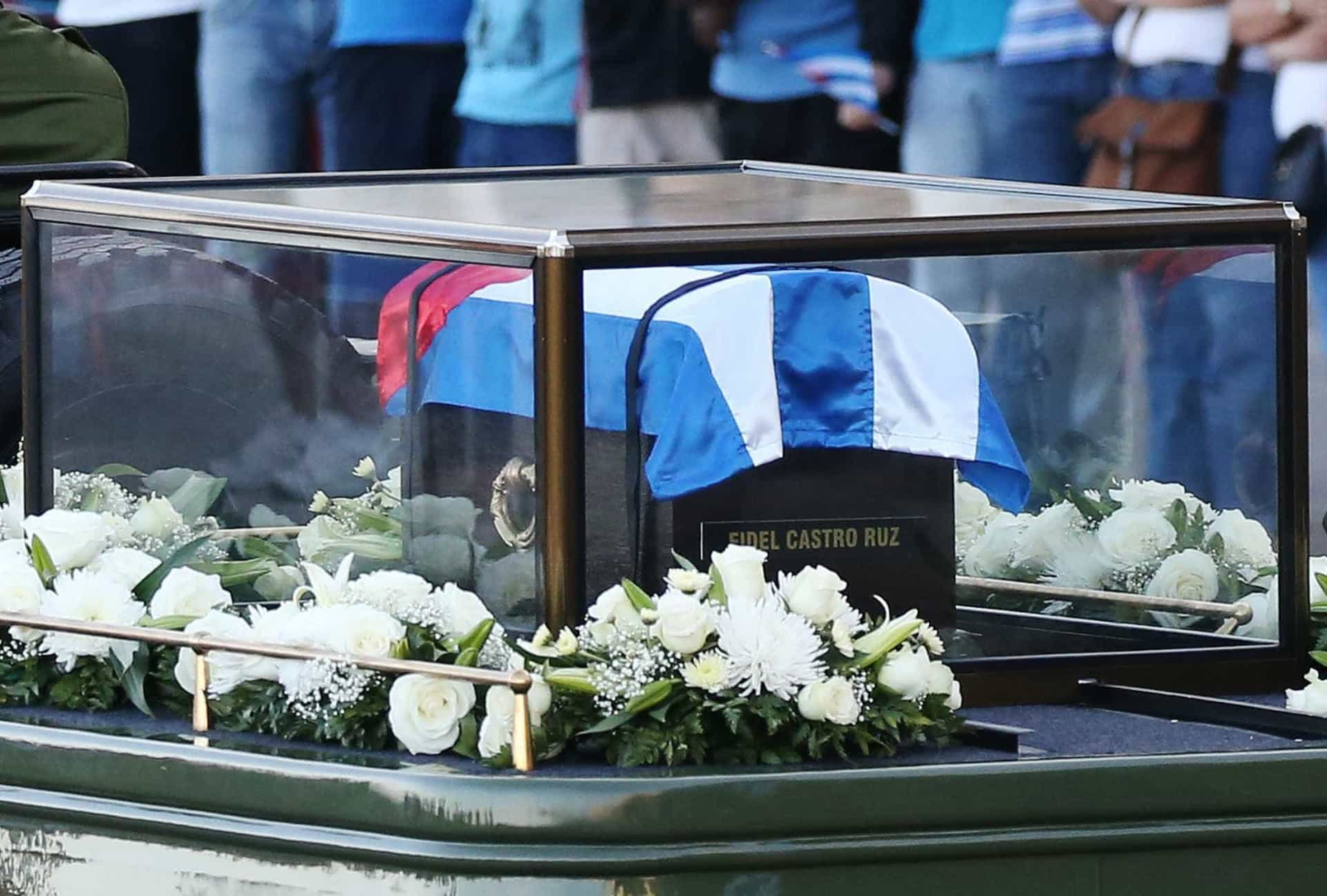 Há um ano, o Mundo dividiu-se no adeus a Fidel