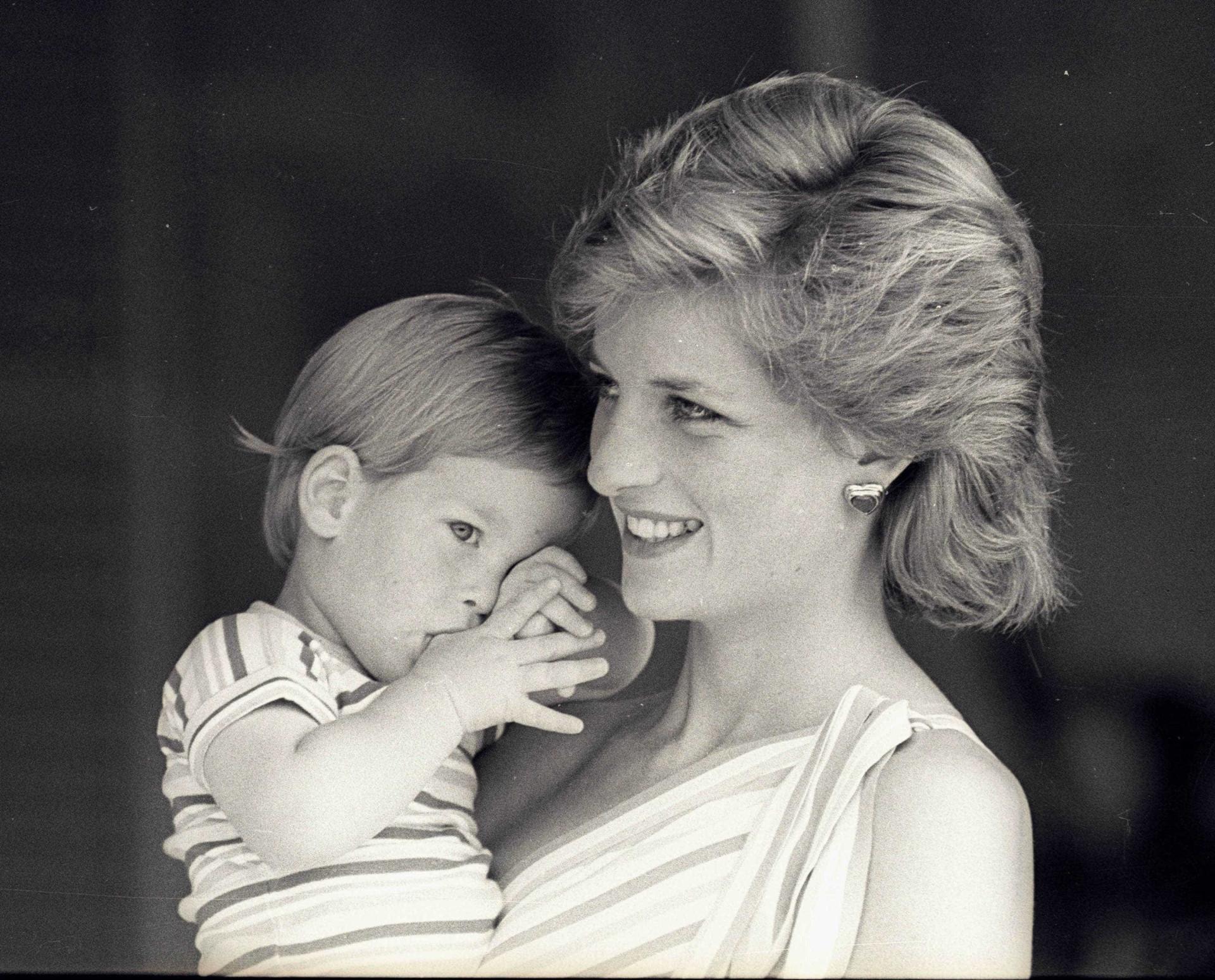 Príncipe Harry: 34 anos de uma vida repleta de emoções