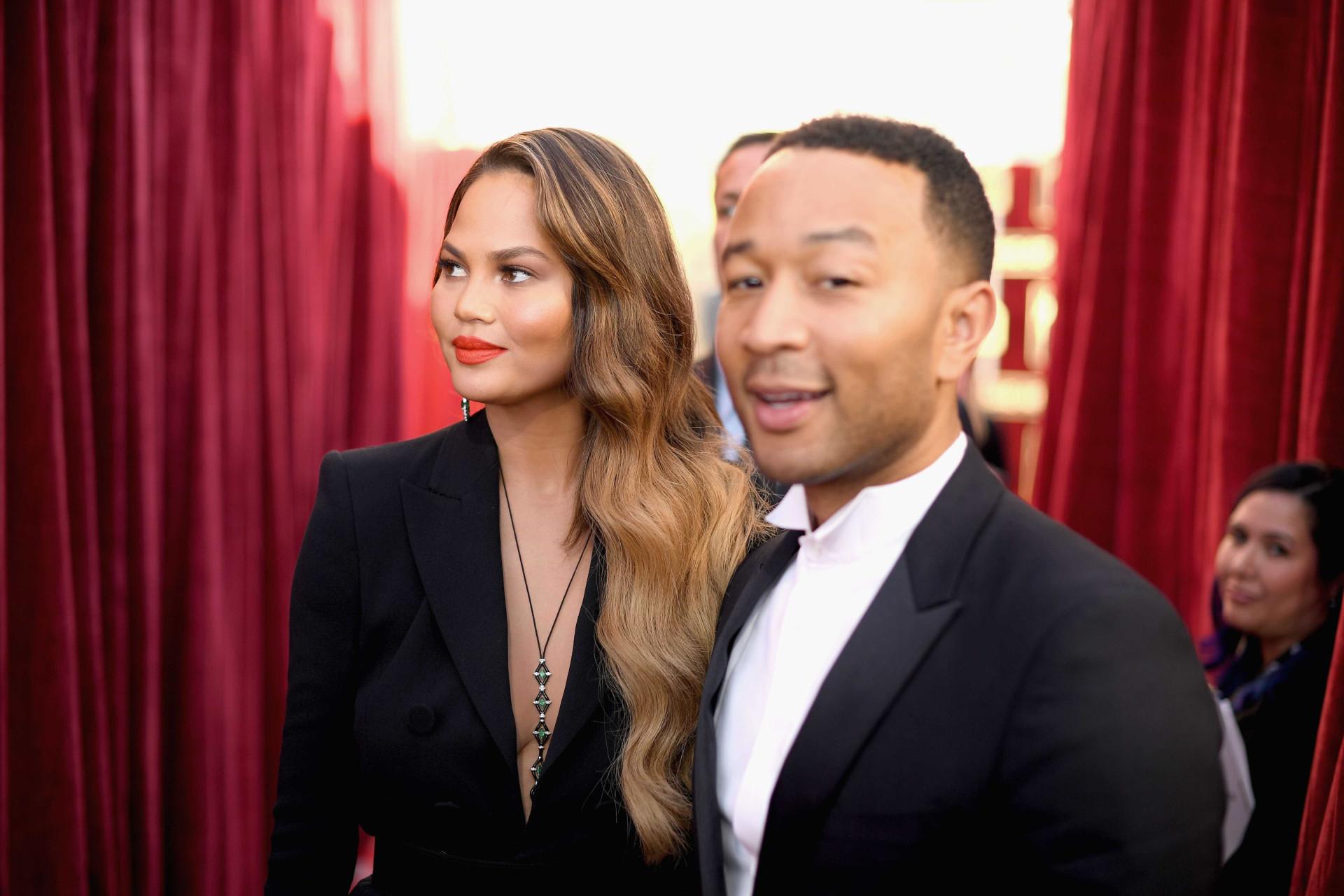 John Legend e Chrissy Teigen celebram 12 anos de vida em comum