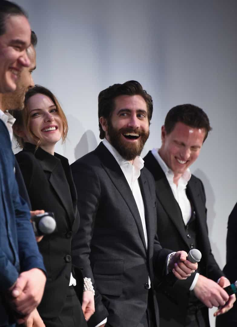 Ryan Reynolds e Jake Gyllenhaal roubam as atenções na estreia de 'Life'
