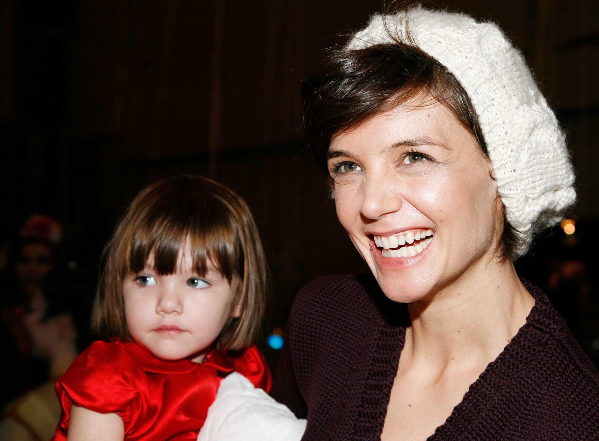Fãs de Katie Holmes de 'boca aberta' após atriz partilhar foto da filha