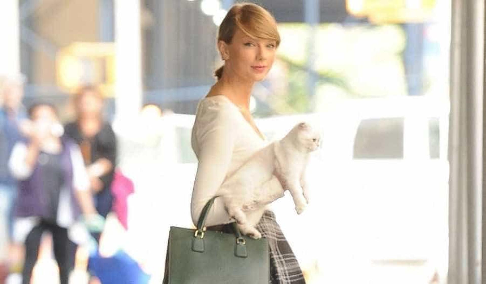 Conheça as celebridades que adoram animais de estimação