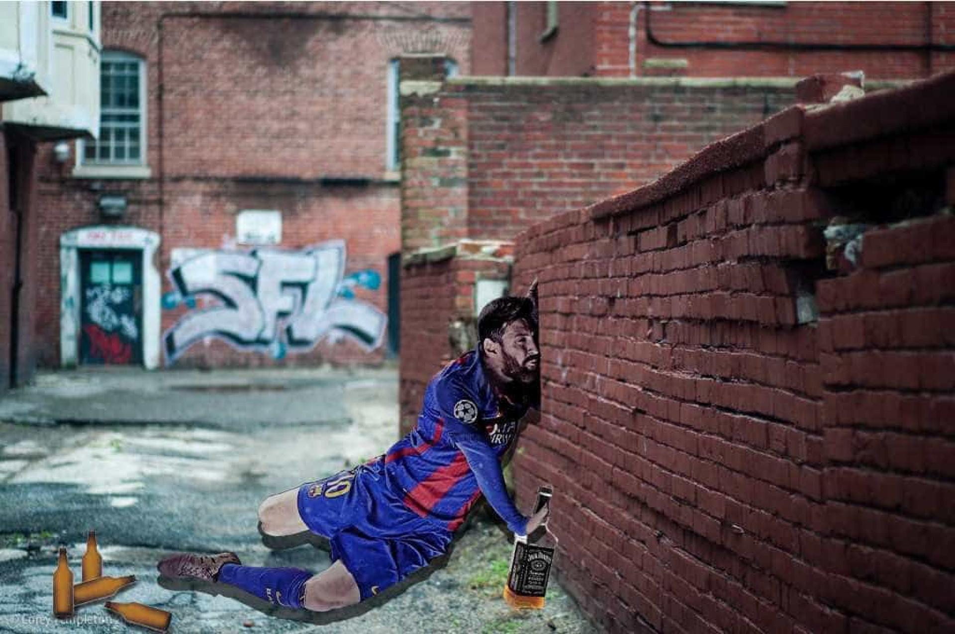 A Internet voltou a fazer montagens hilariantes, desta vez com Messi