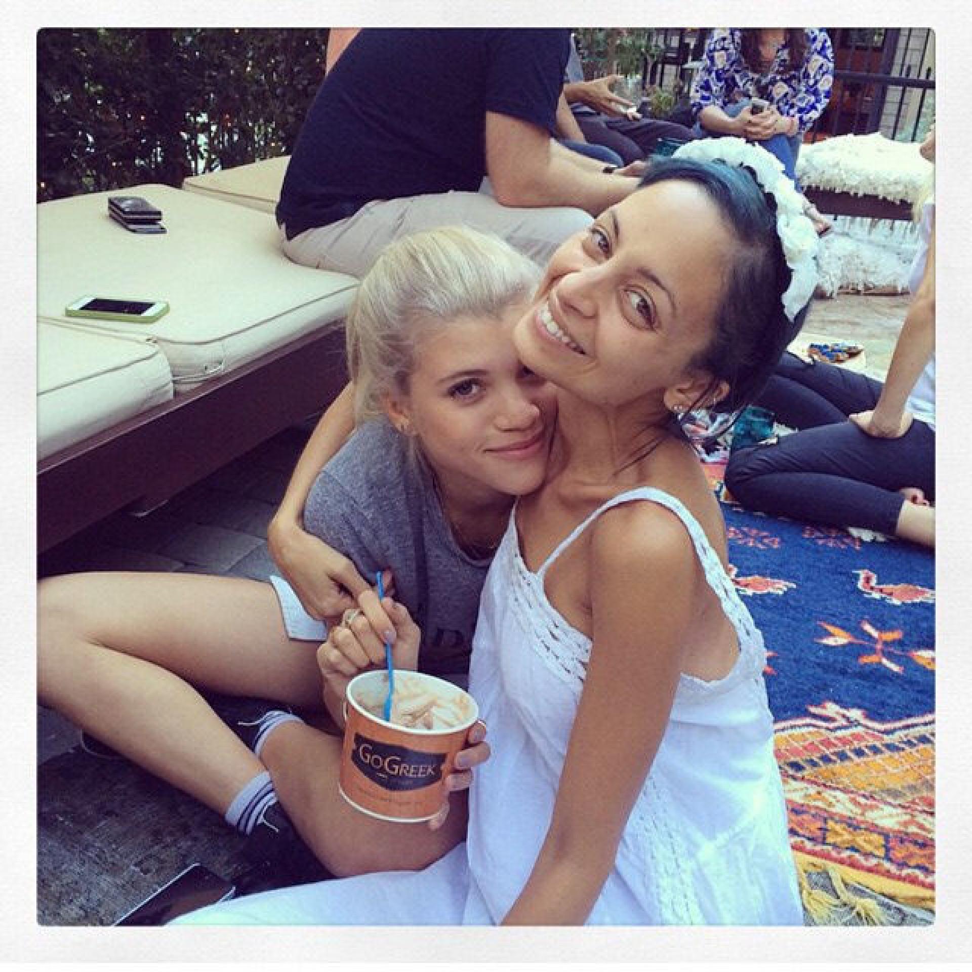 As irmãs mais famosas e bonitas do mundo do entretenimento
