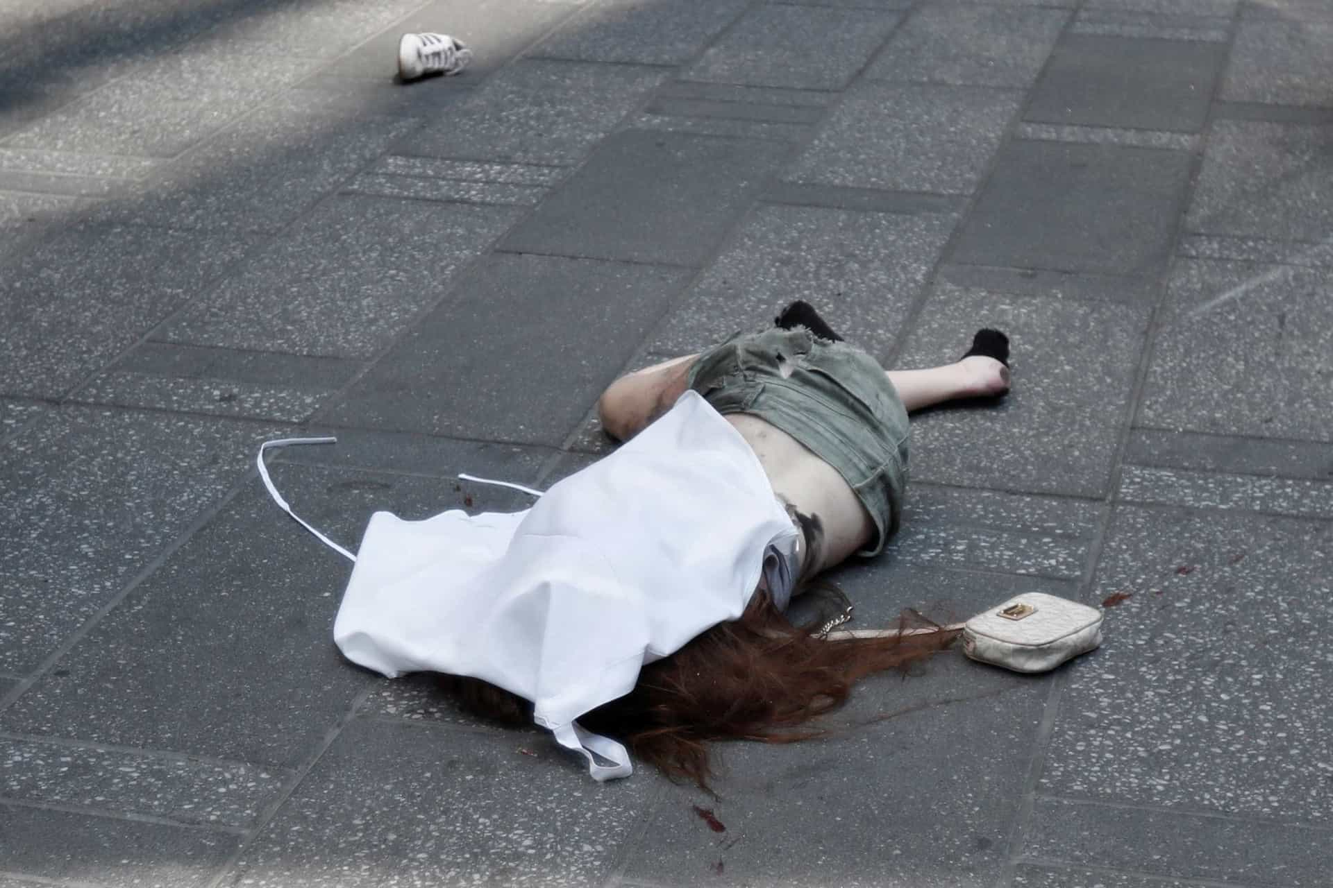 Imagens do acidente que assustou e matou em plena Times Square