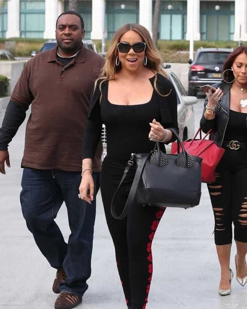 Mariah Carey mostra demais com leggings transparentes