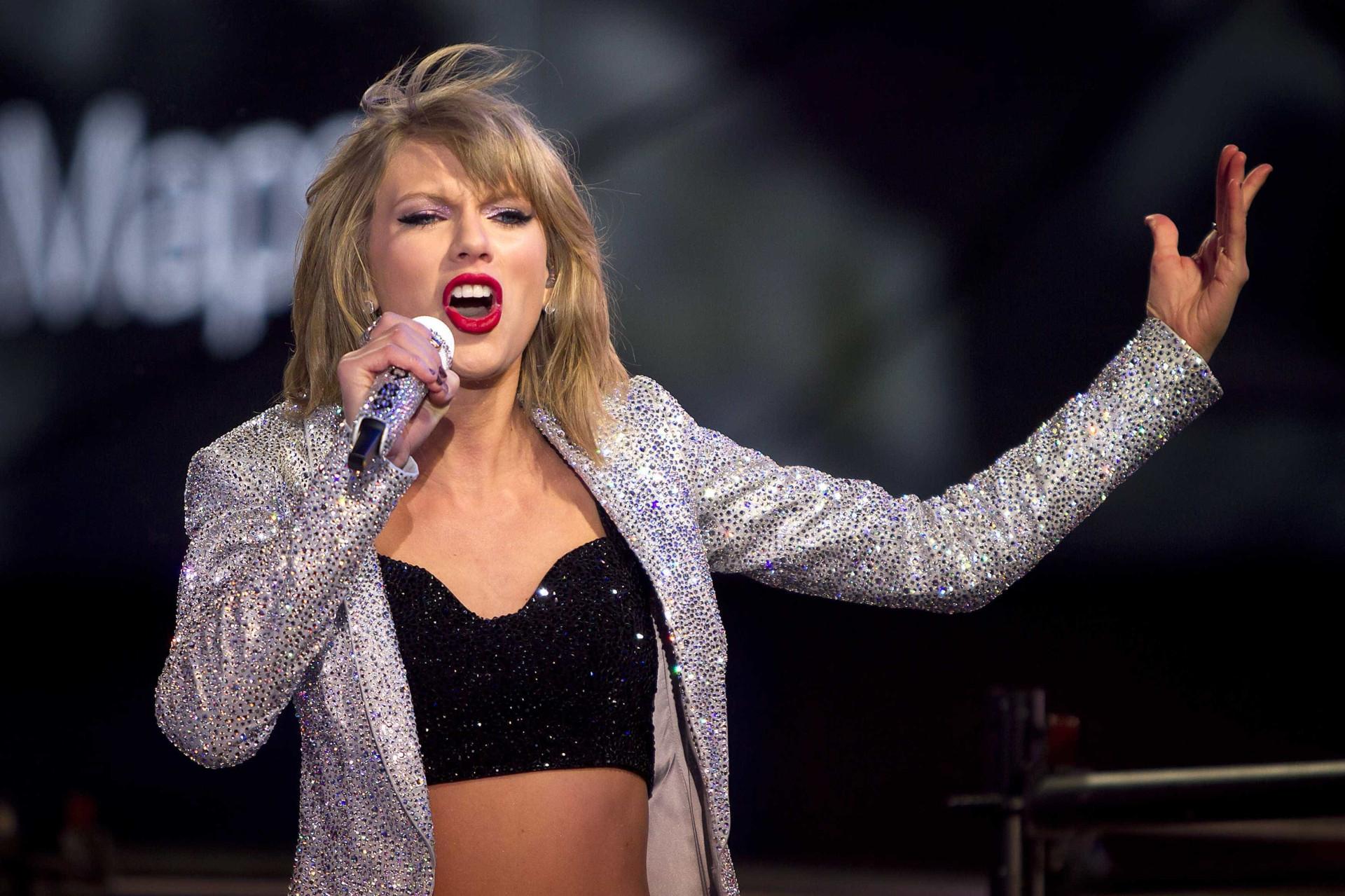 Conheça as celebridades mais populares nas redes sociais em 2017