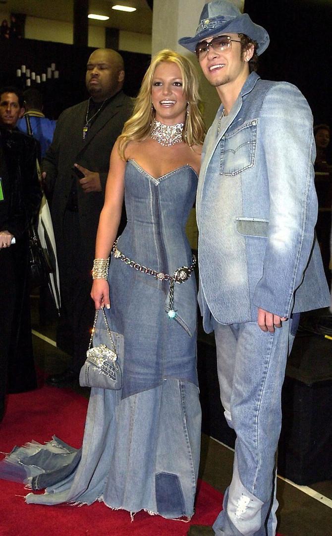 Veja 30 looks estranhos que os famosos usaram no início dos anos 2000