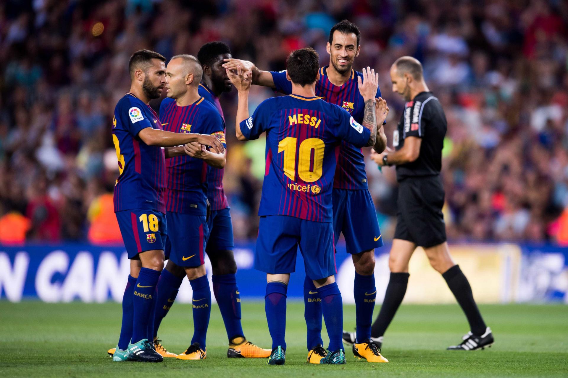 Barcelona goleia em dia de homenagem às vítimas do Chapecoense