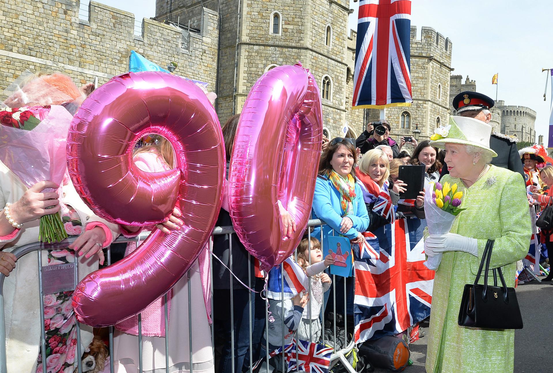 Algumas das regras peculiares que a família real britânica deve seguir