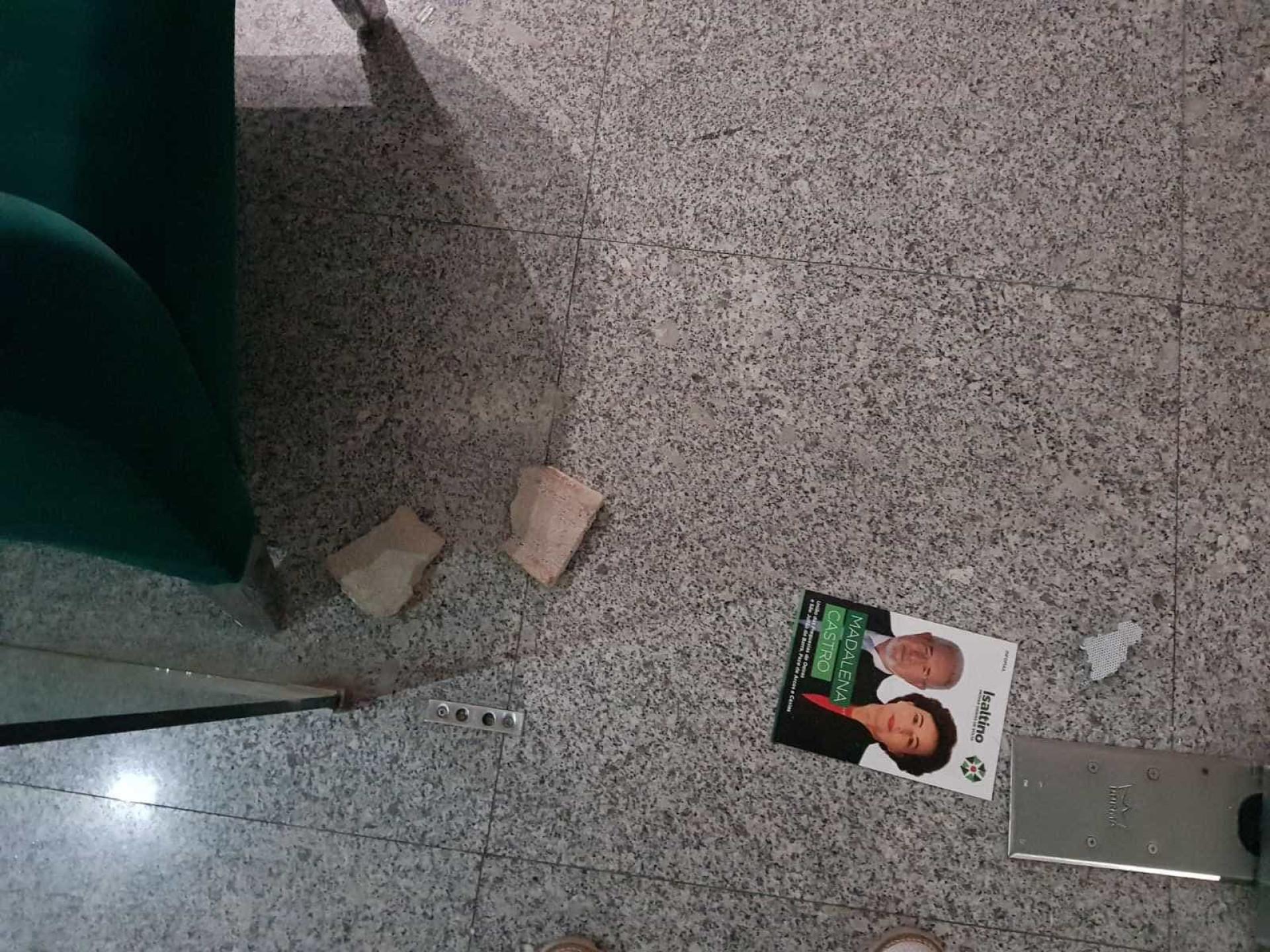 Vandalizaram a sede de campanha de Isaltino Morais
