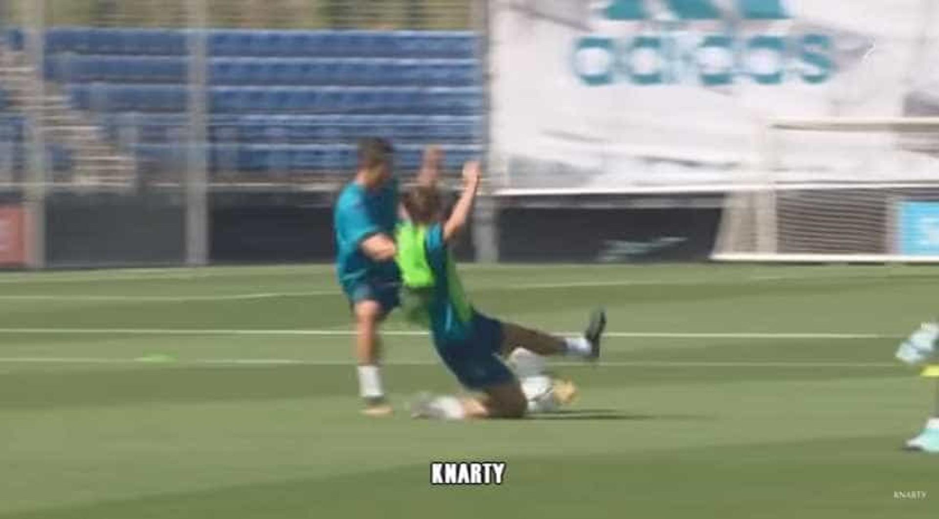 CR7 'sentou' um, 'arrumou' outro e marcou golaço no treino
