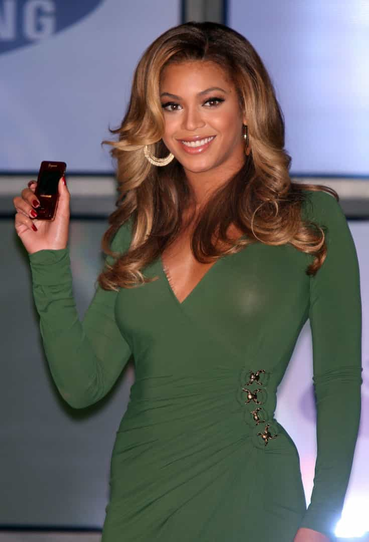Lembra-se quando as celebridades usavam estes telemóveis?