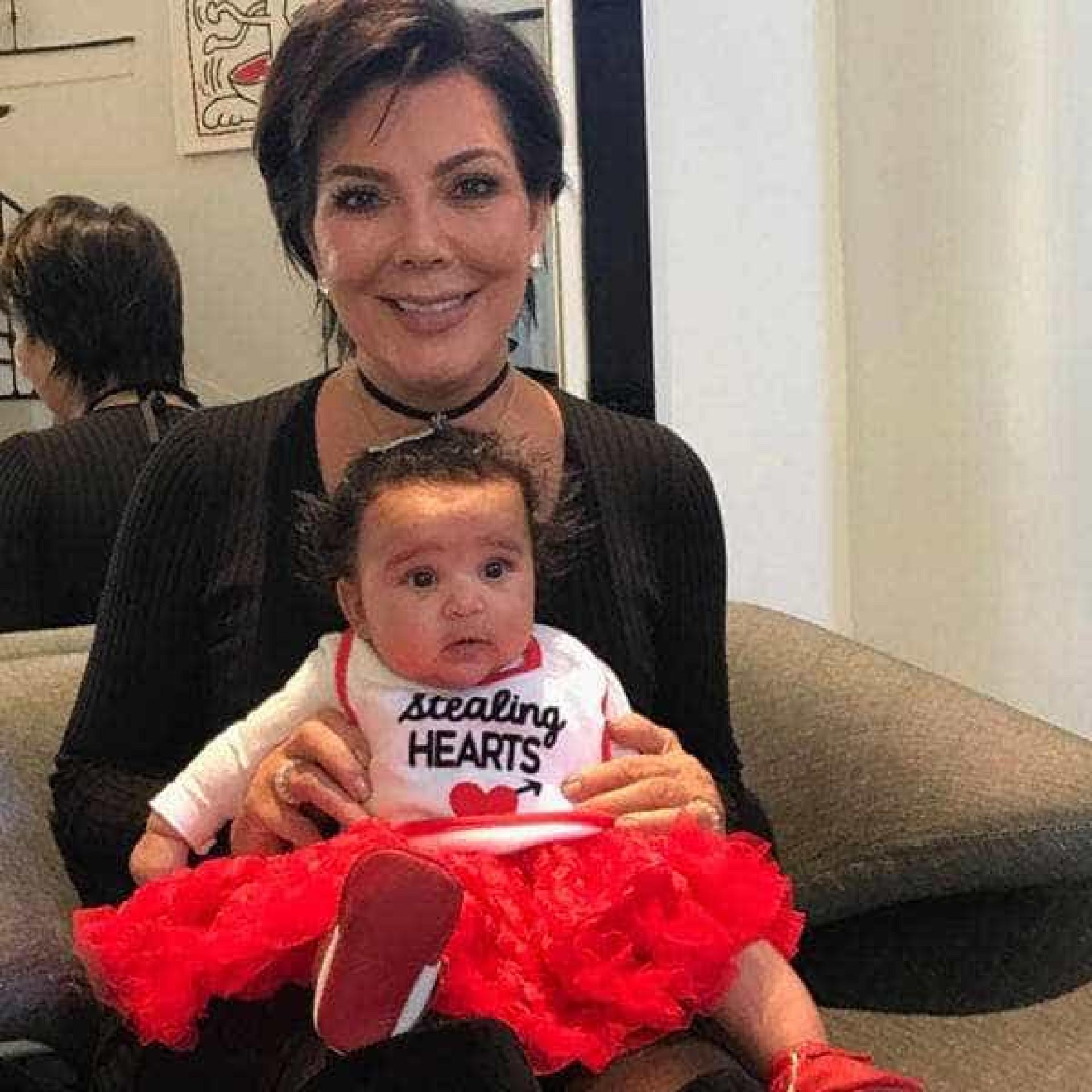 A filha de Rob Kardashian cresceu e é a sua 'cara chapada'