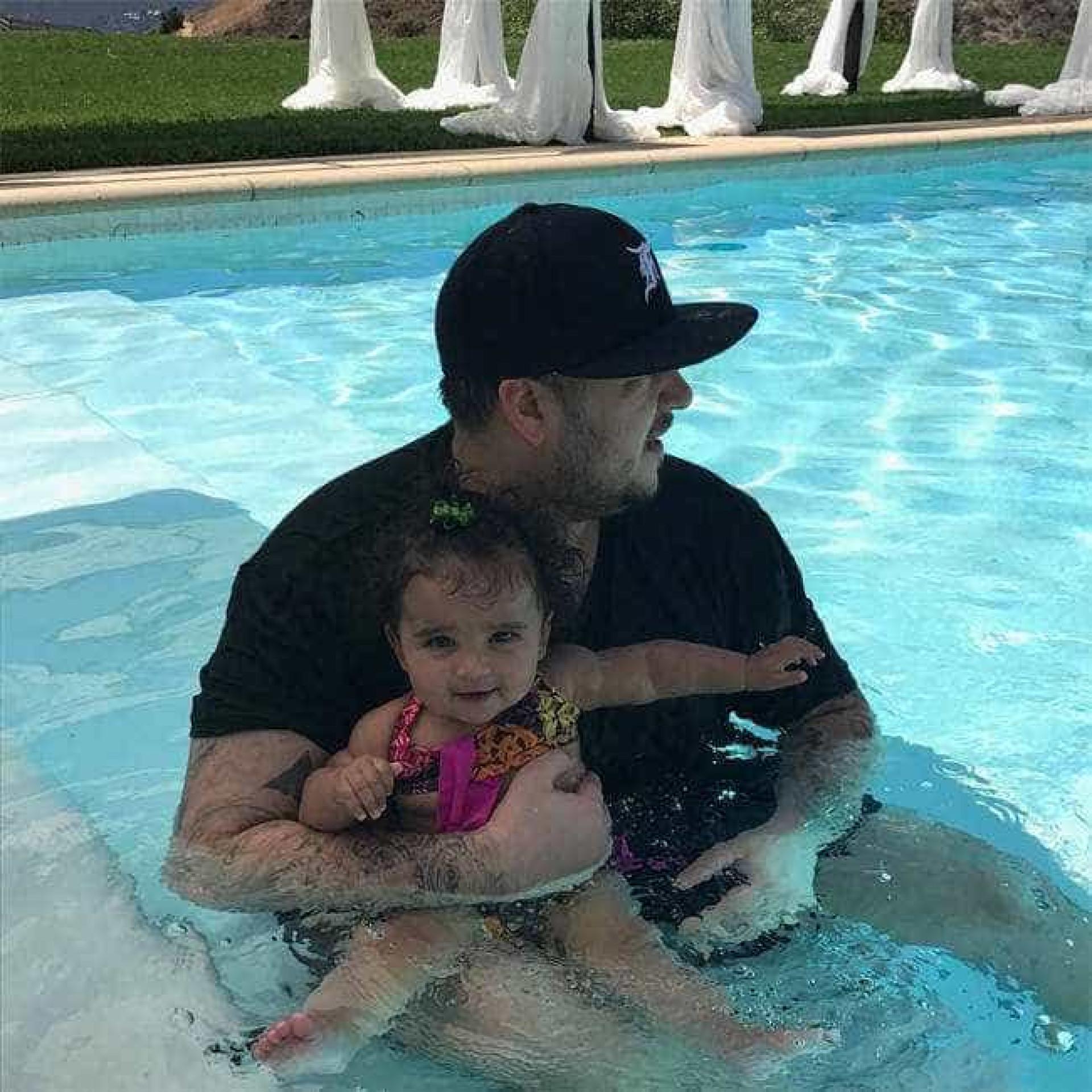 Rob Kardashian continua solteiro... a cuidar da sua saúde