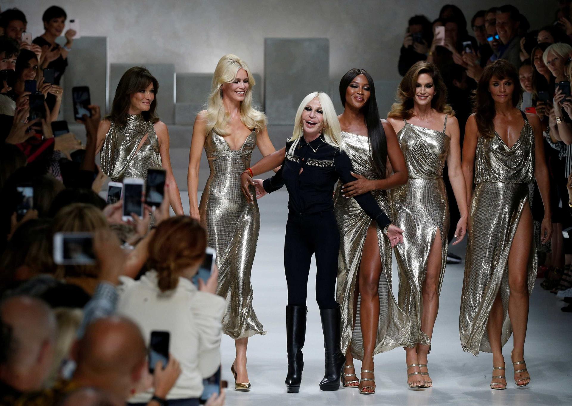Cindy, Naomi, Claudia, Carla e Helena. Elas voltaram e arrasaram
