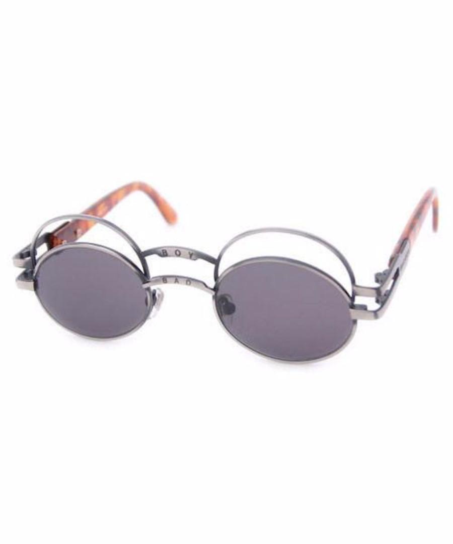Serão estes os óculos de sol mais bizarros do mundo?