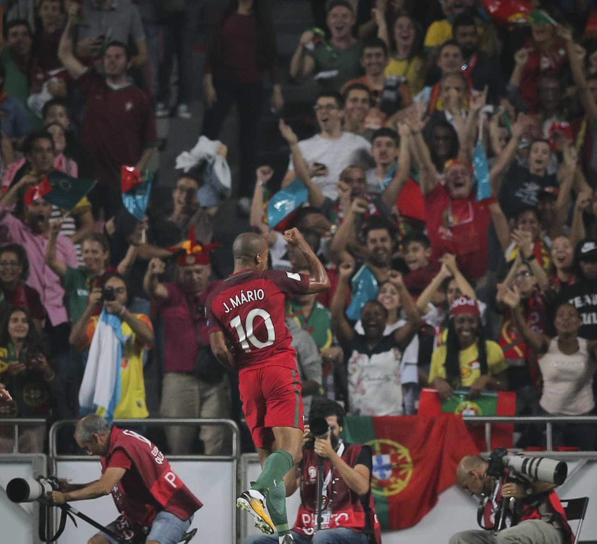 Os 30 jogadores internacionais 'made by' Fernando Santos