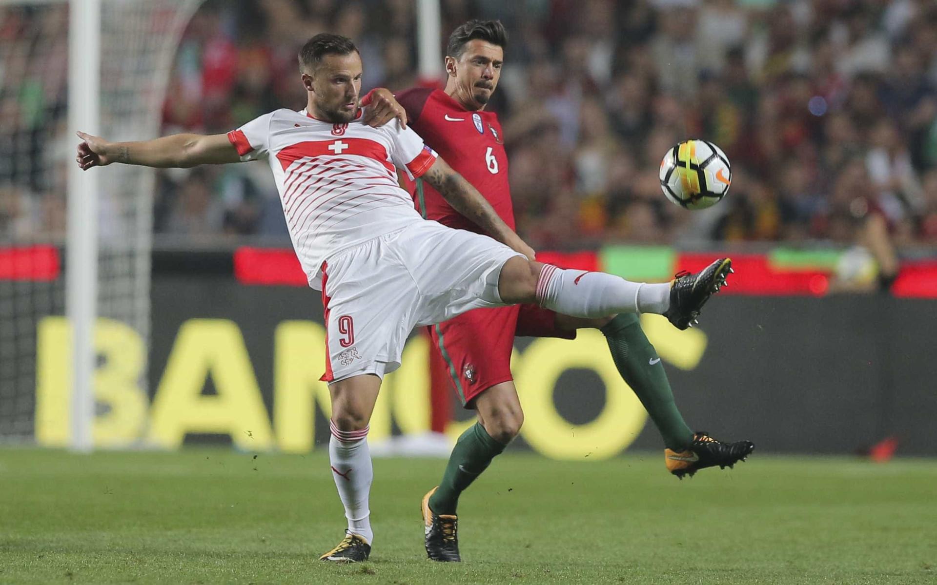 Suíça garante lugar no Mundial e Seferovic acaba envolvido em polémica