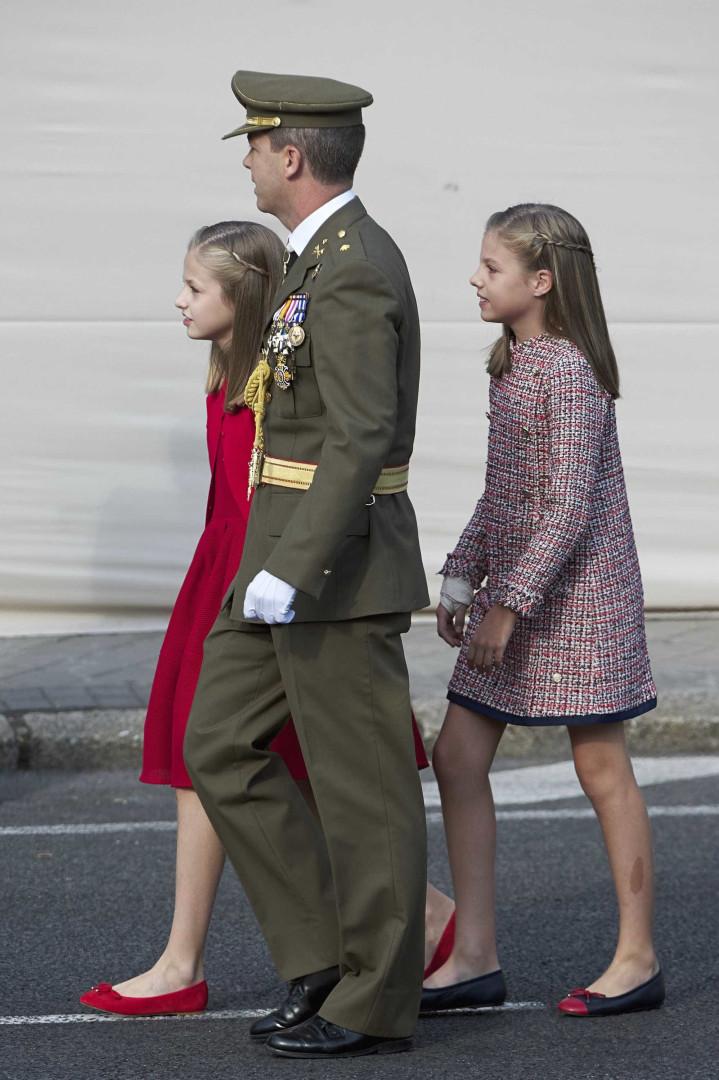 Infanta Sofía surge com o pulso lesionado