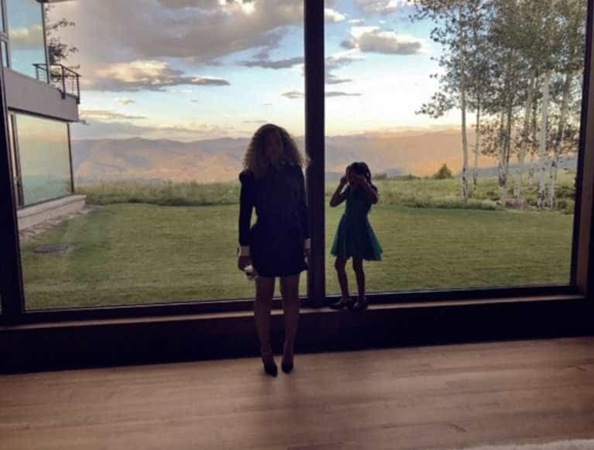 Beyoncé partilha fotos raras com a filha