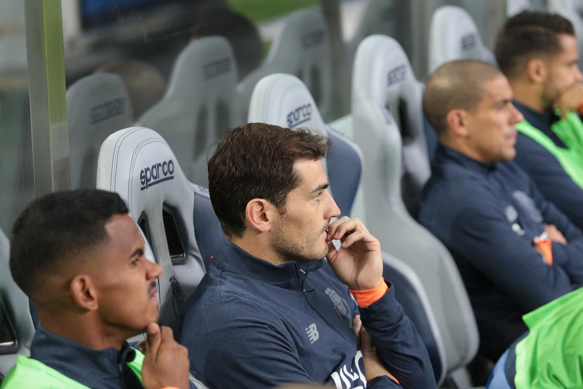 Dragão não deixa cair Casillas