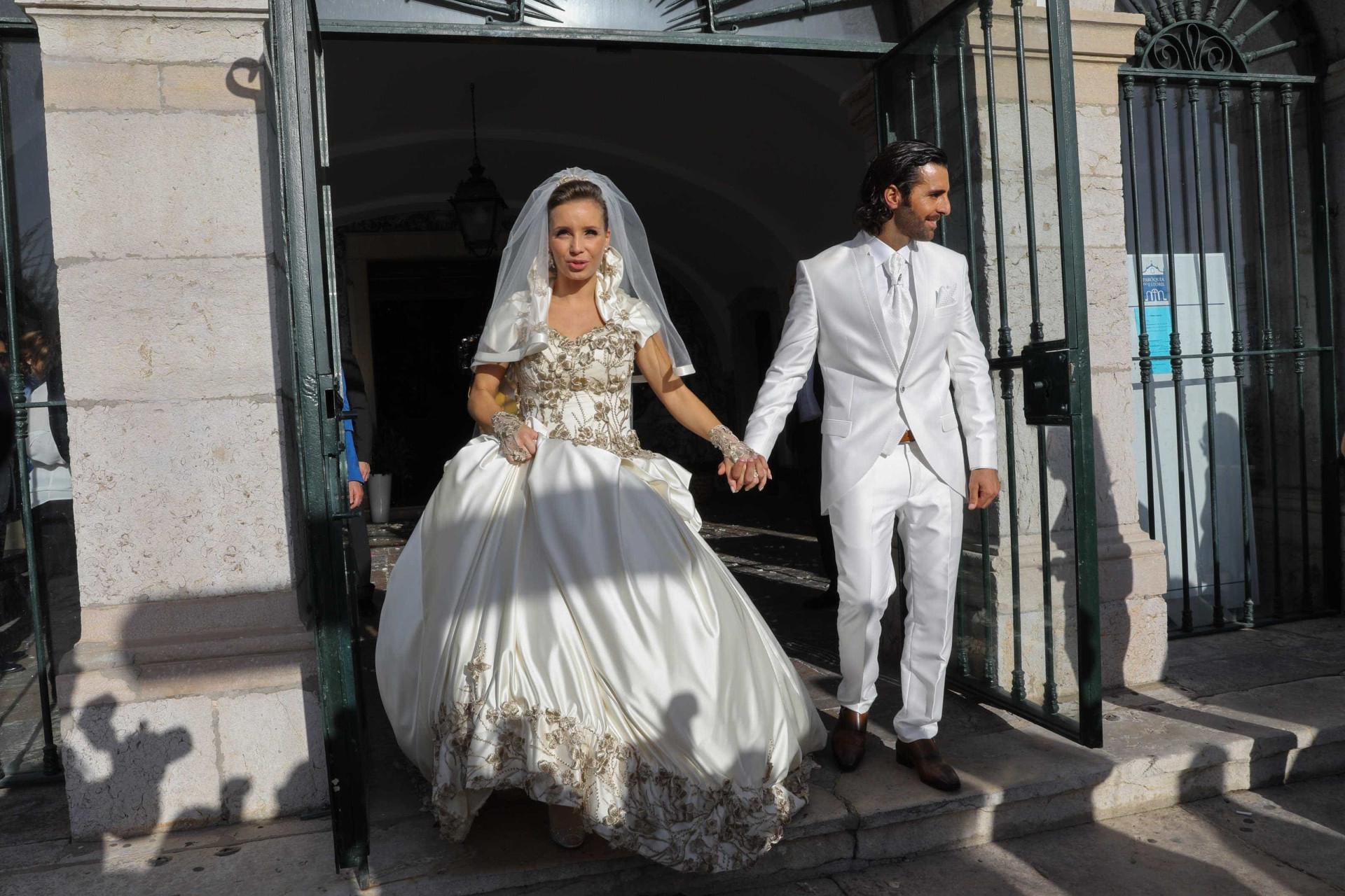 Grávida de cinco meses, Luciana Abreu casou pela segunda vez