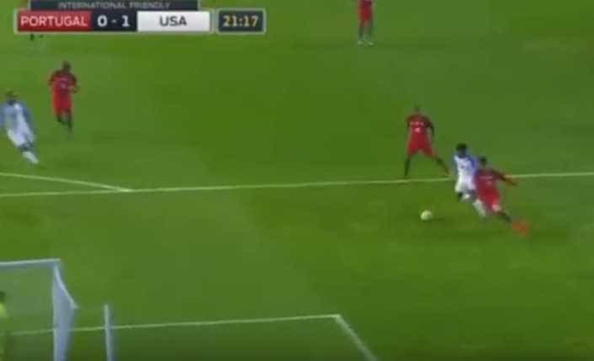 McKennie trocou os olhos a Ricardo Ferreira e fez o primeiro dos EUA