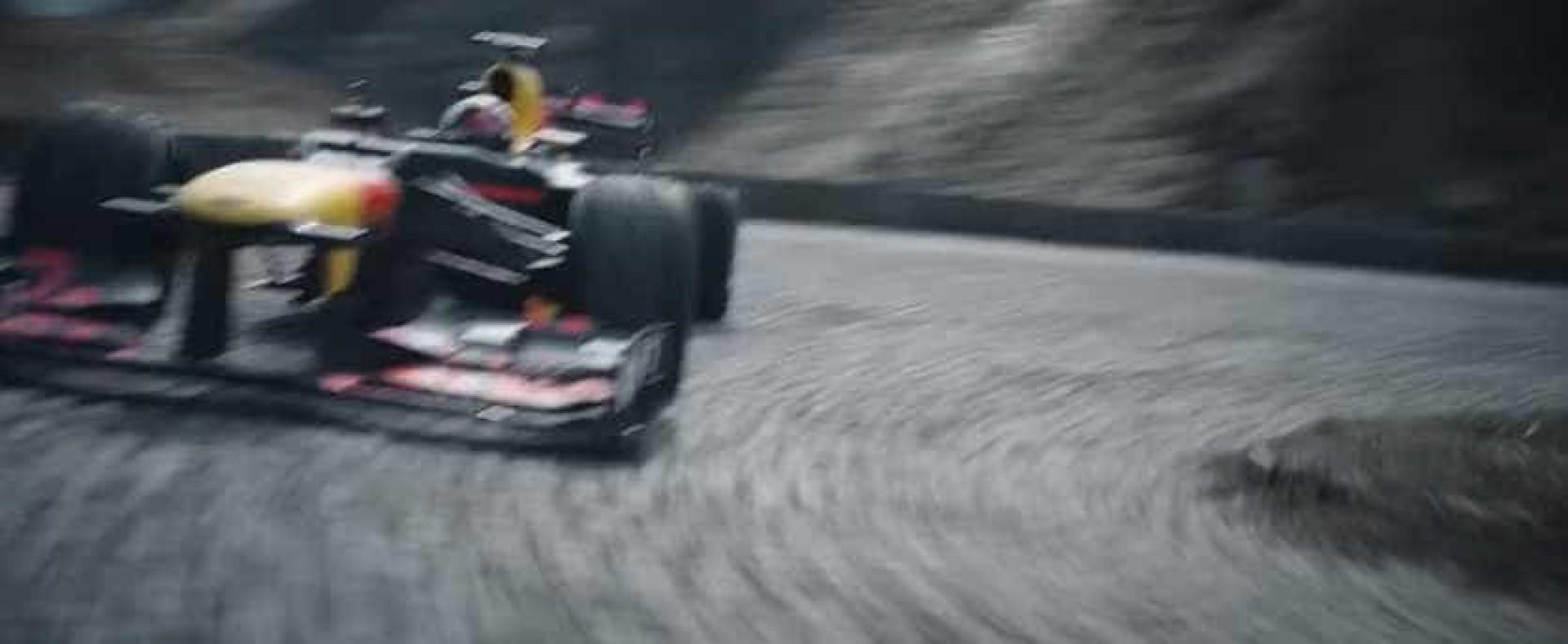 A mais recente 'loucura' da Red Bull. Agora, nos Alpes suíços