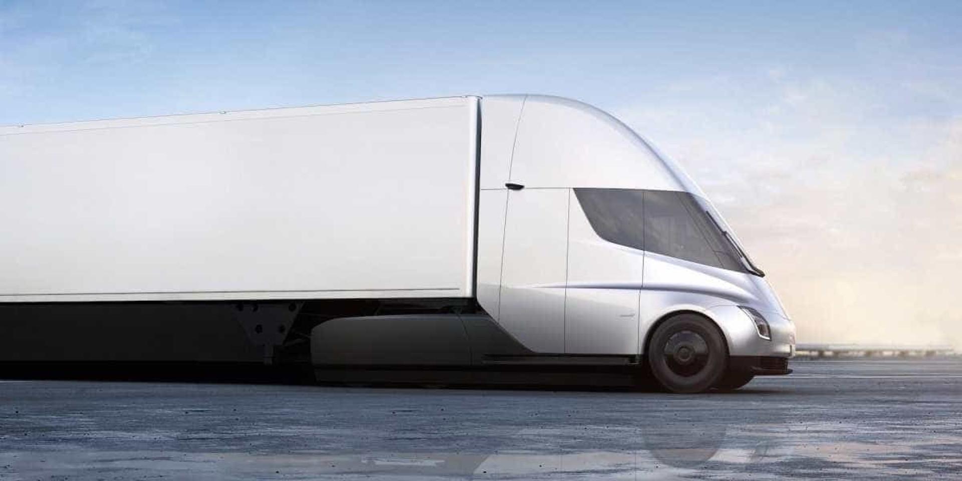 Prometeu e cumpriu. Tesla impressiona com o seu primeiro camião