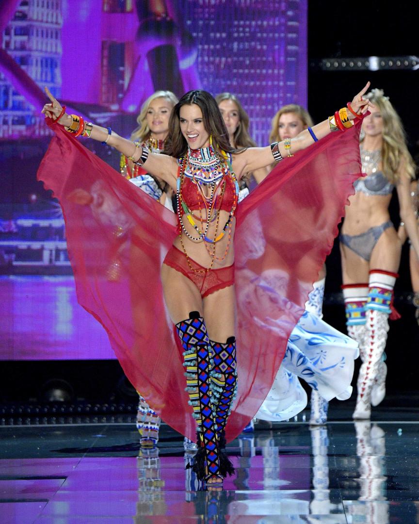 O último desfile de Alessandra Ambrosio para a Victoria's Secret