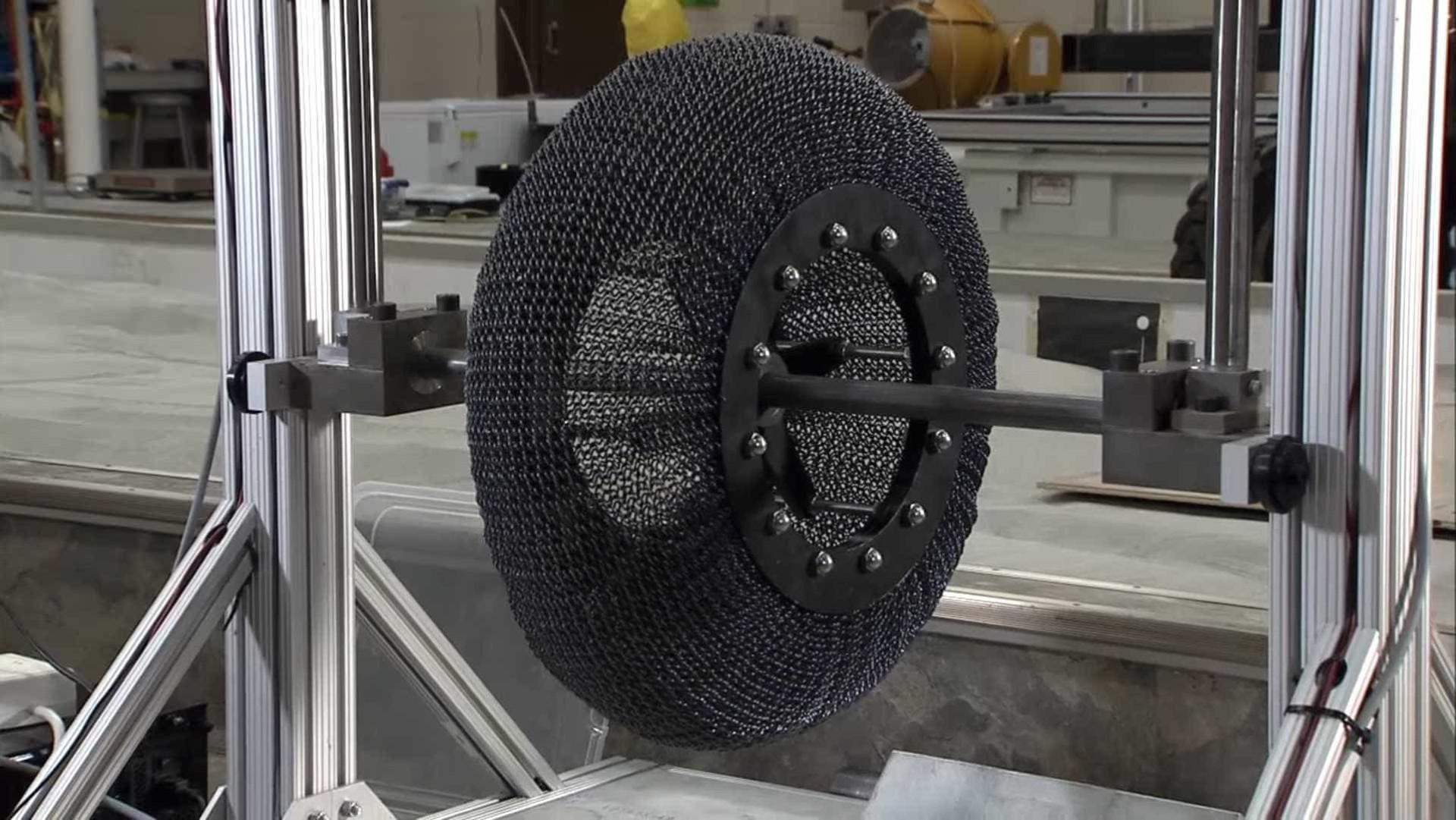 A NASA está a testar os pneus que serão utilizados em Marte