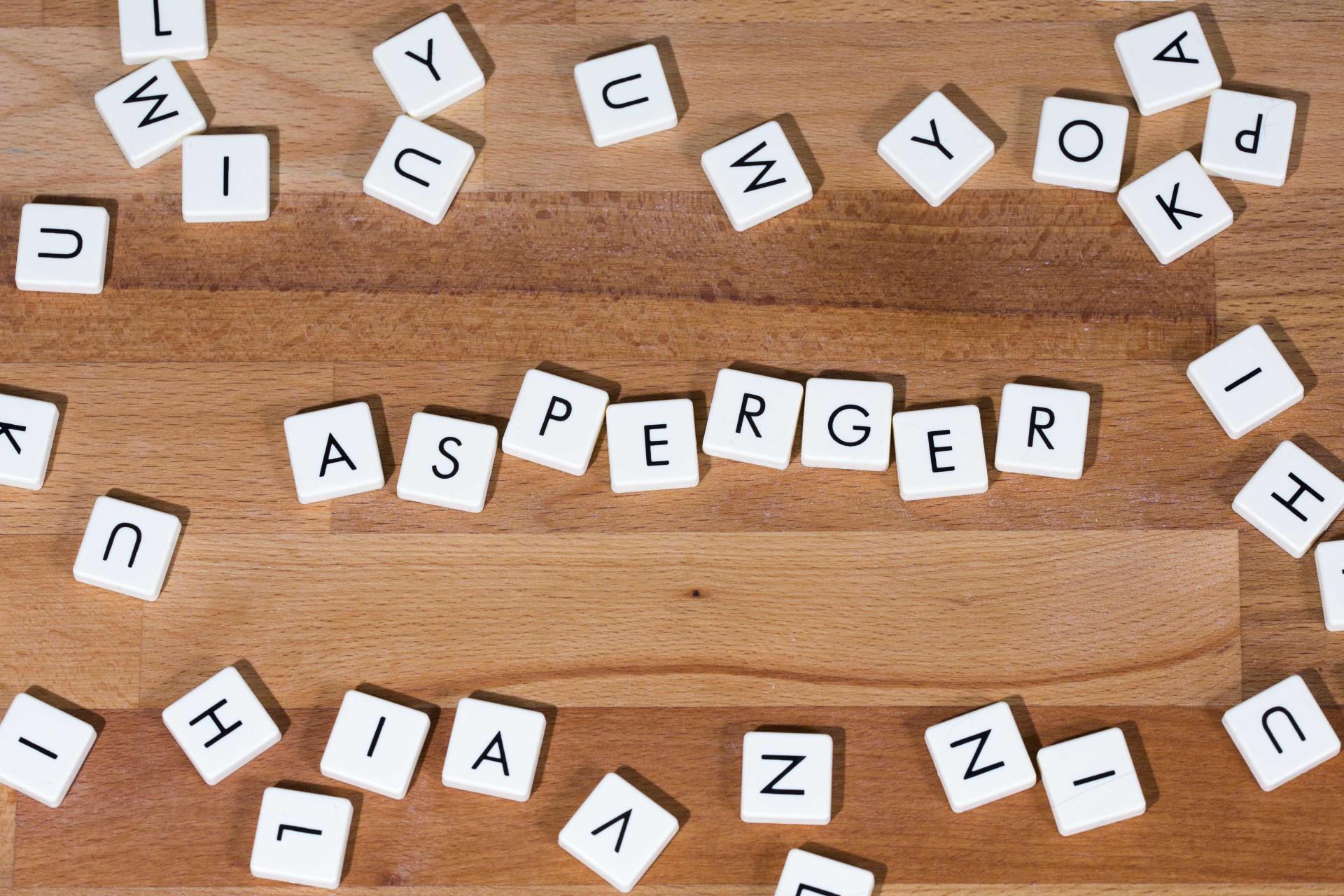 Síndrome de Asperger. Das 'caras conhecidas' à essência da doença
