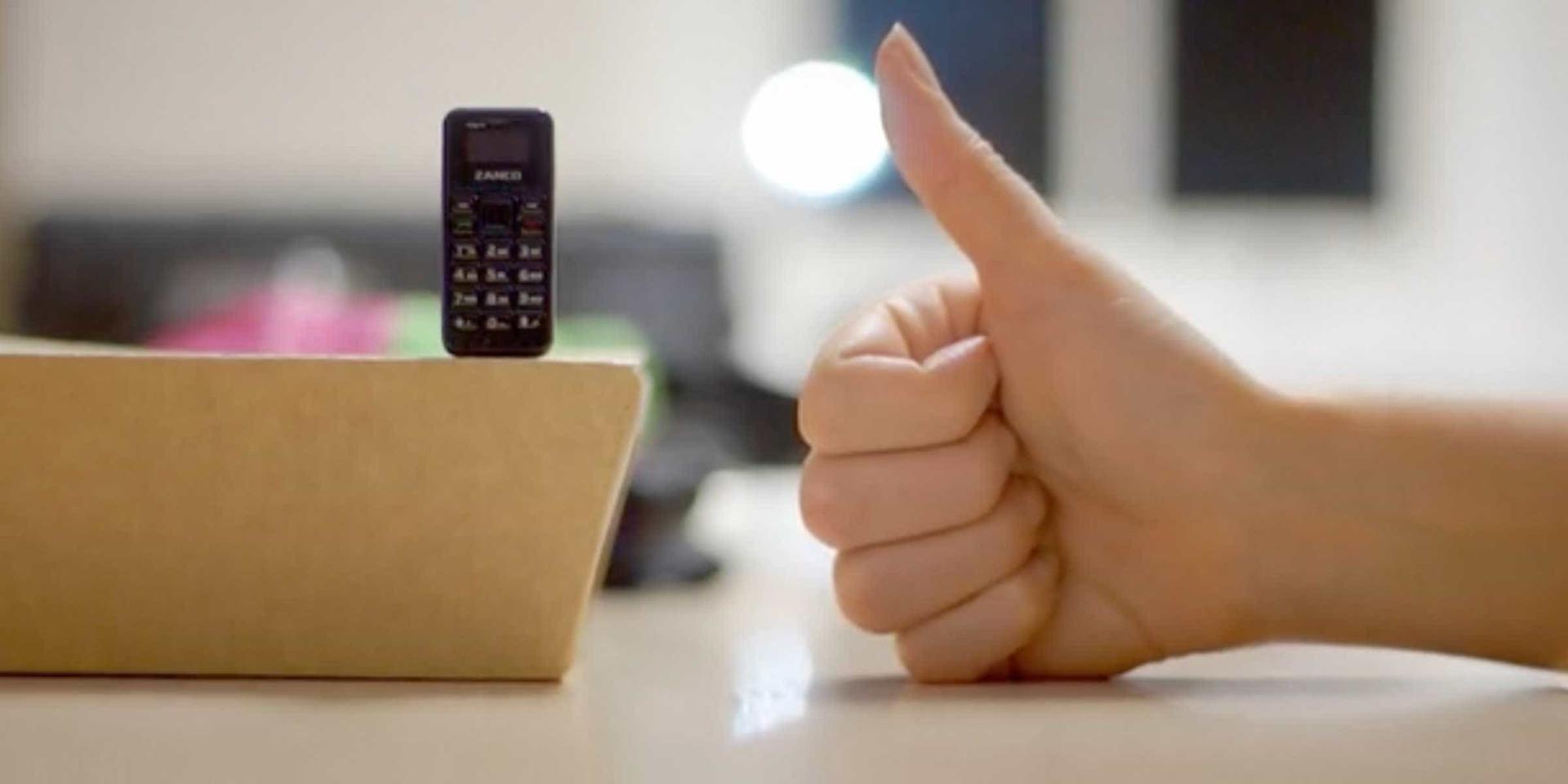 O básico dos básicos. Eis o telemóvel mais pequeno do mundo