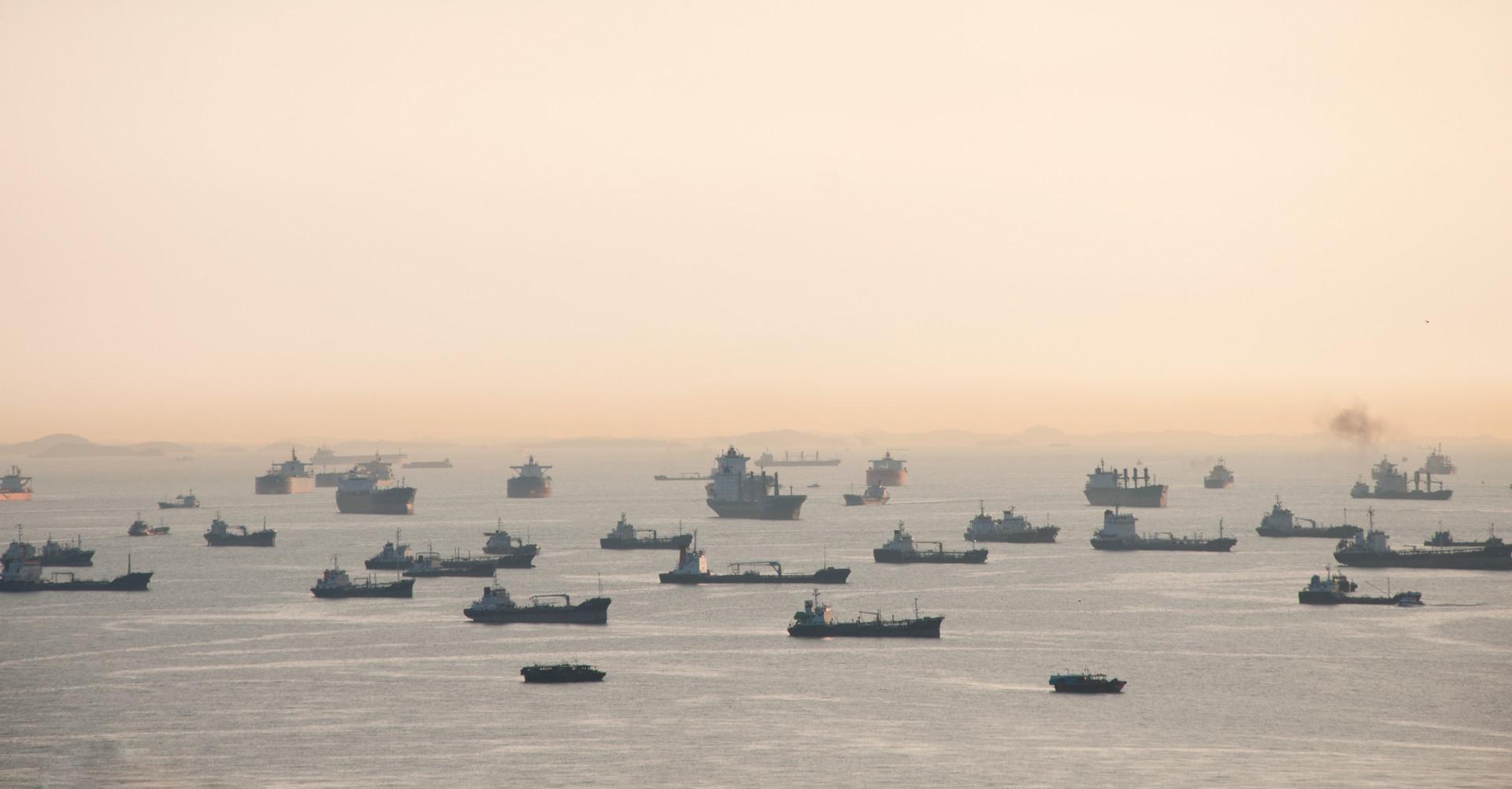 O mistério dos navios abandonados que aparecem em Singapura