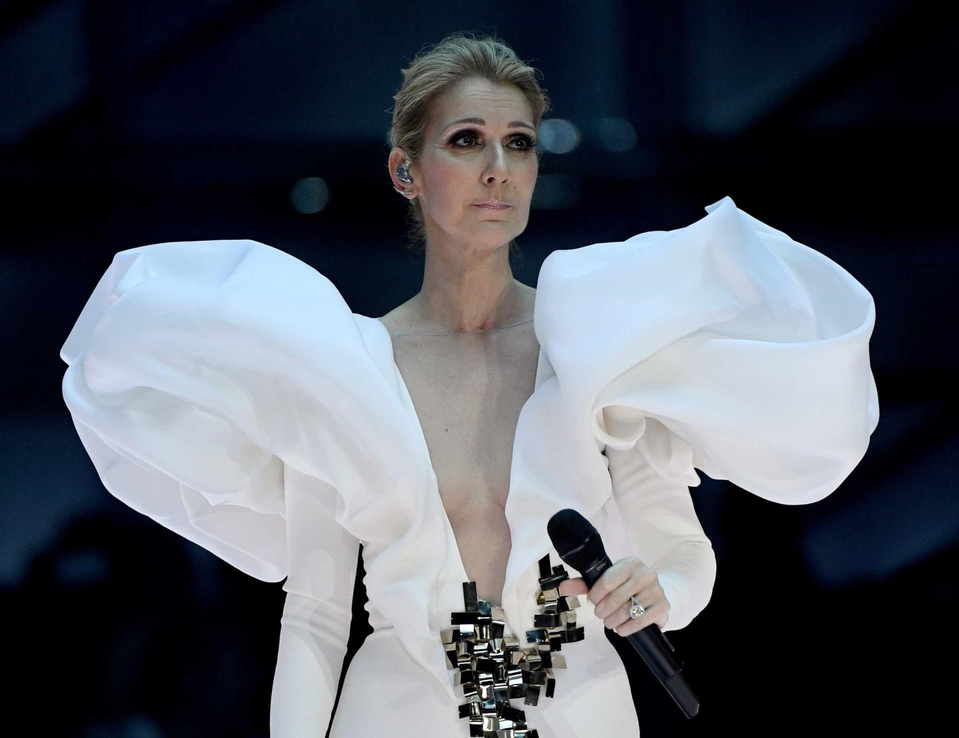 A surpreendente reação de Céline Dion a fã alcoolizada que invadiu palco