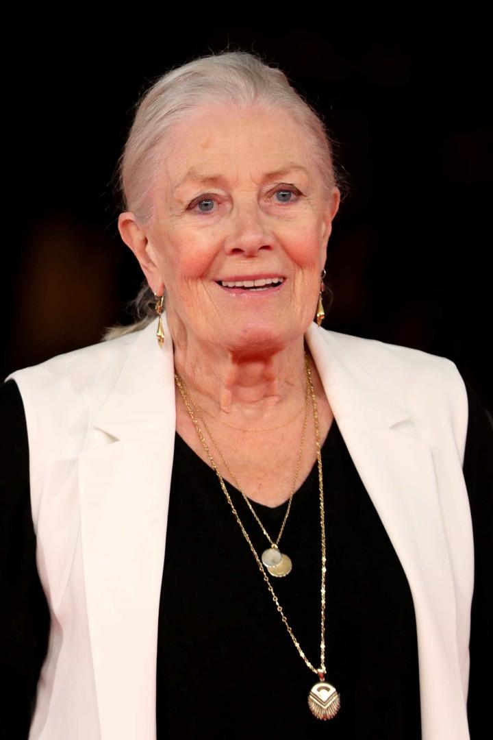 Sabia que estas celebridades têm 80 anos?