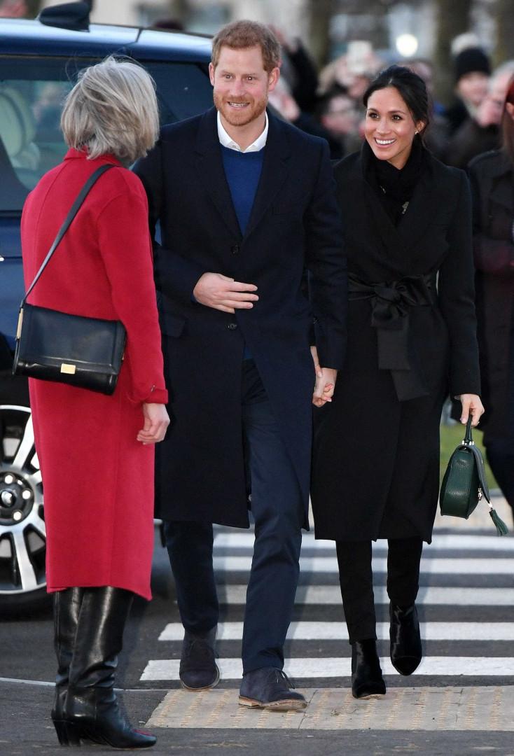 Harry e Meghan Markle encantam na sua terceira visita enquanto casal