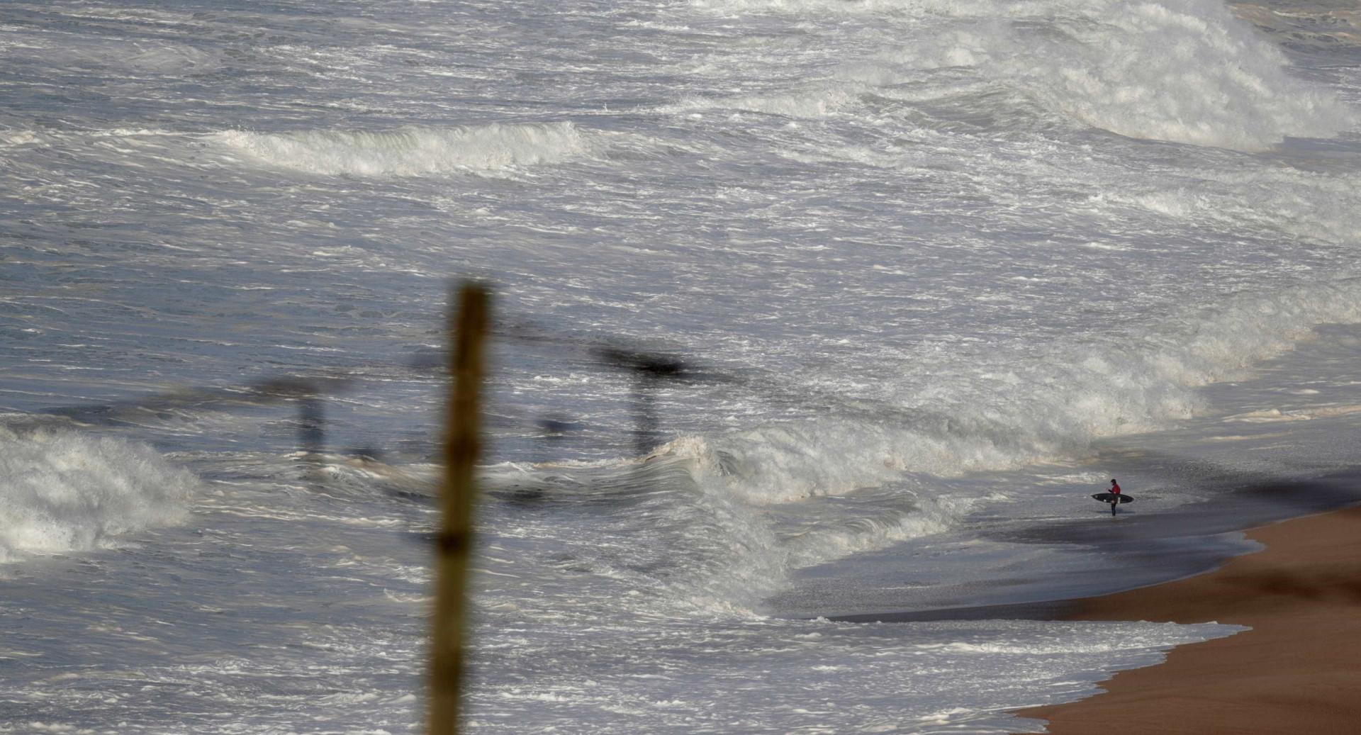 'Cavalgar' ondas gigantes. As imponentes vagas da Nazaré