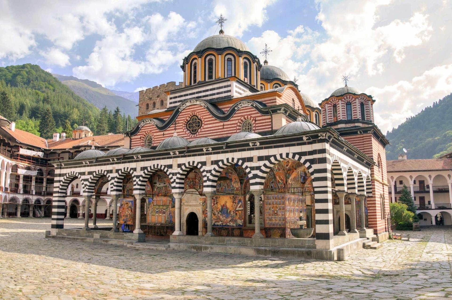 Estes são os mosteiros mais incríveis do planeta