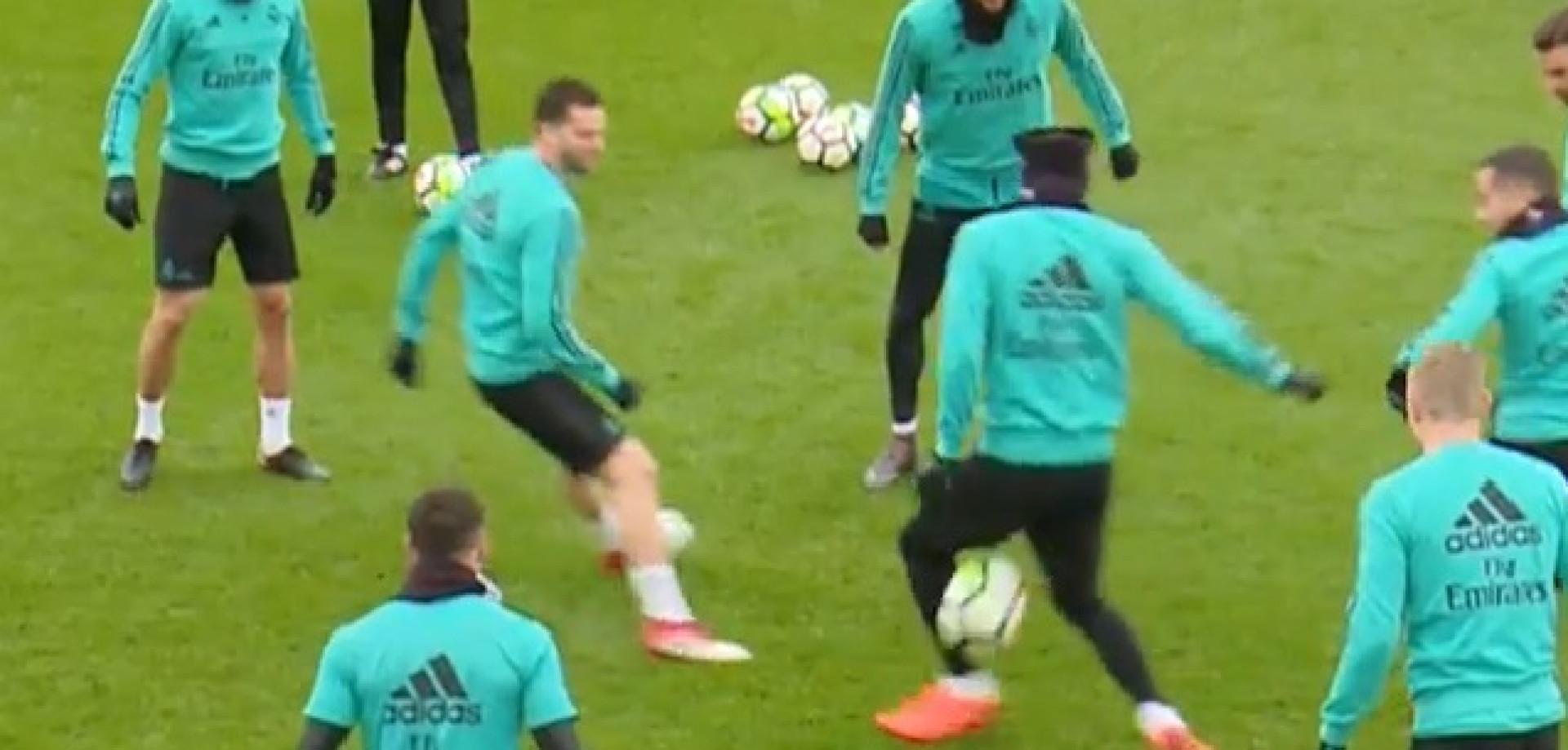 Theo é a nova 'vítima' no treino do Real Madrid