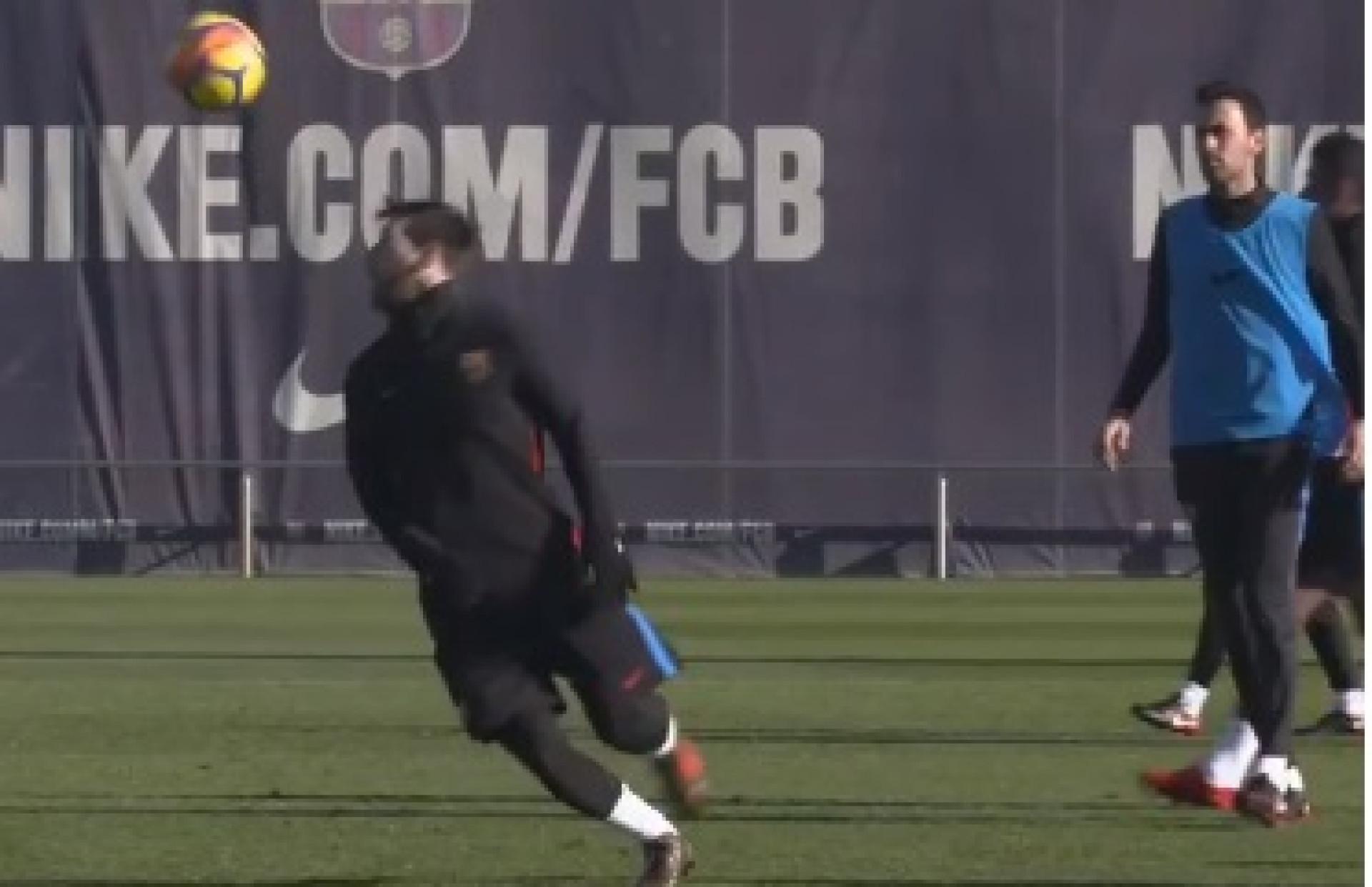 Mais um dia de treino para Messi, mais um dia de pesadelo para os colegas