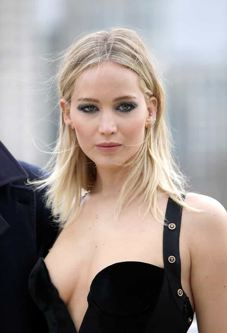 O decote 'explosivo' de Jennifer Lawrence que está a dar que falar