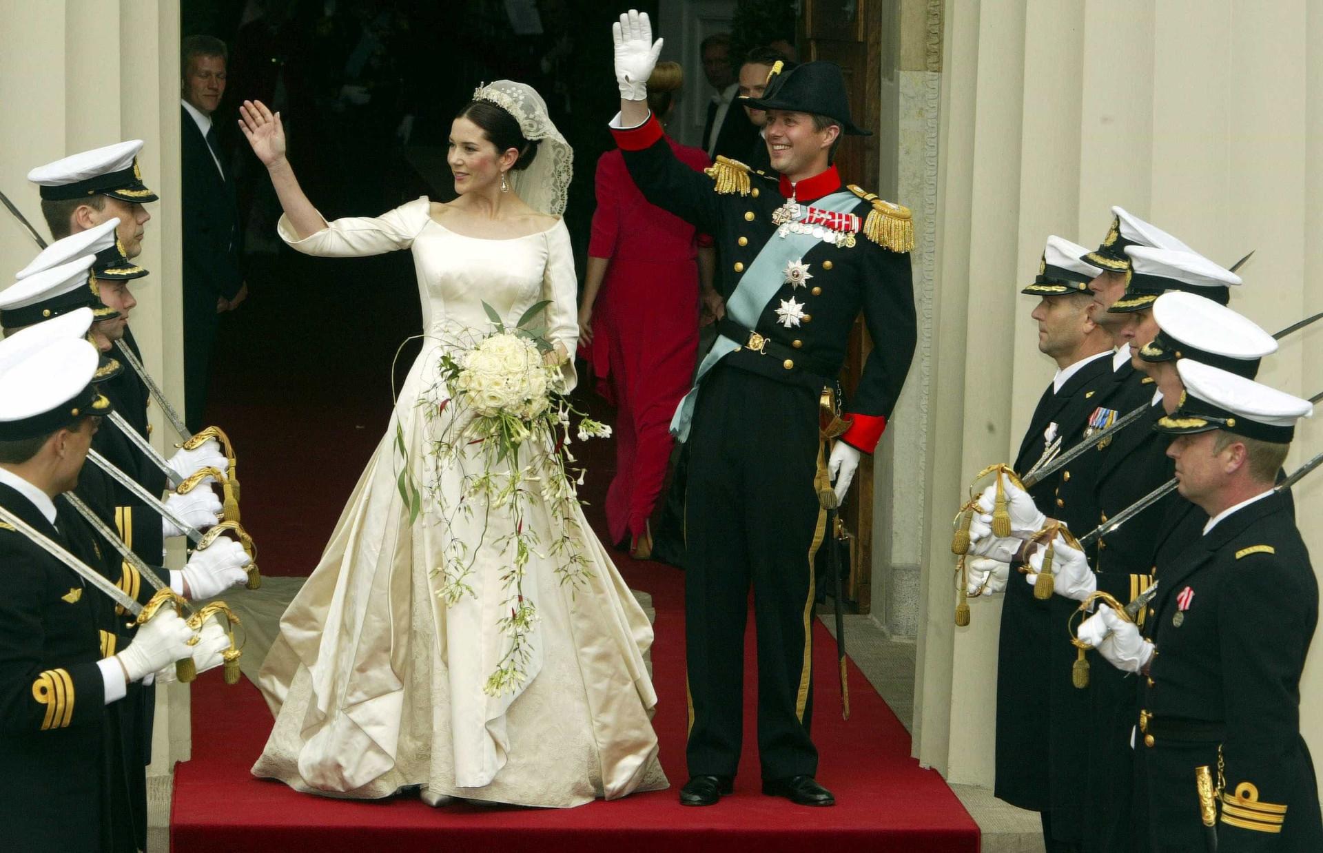 Como eram estas mulheres antes de entrarem para a realeza?