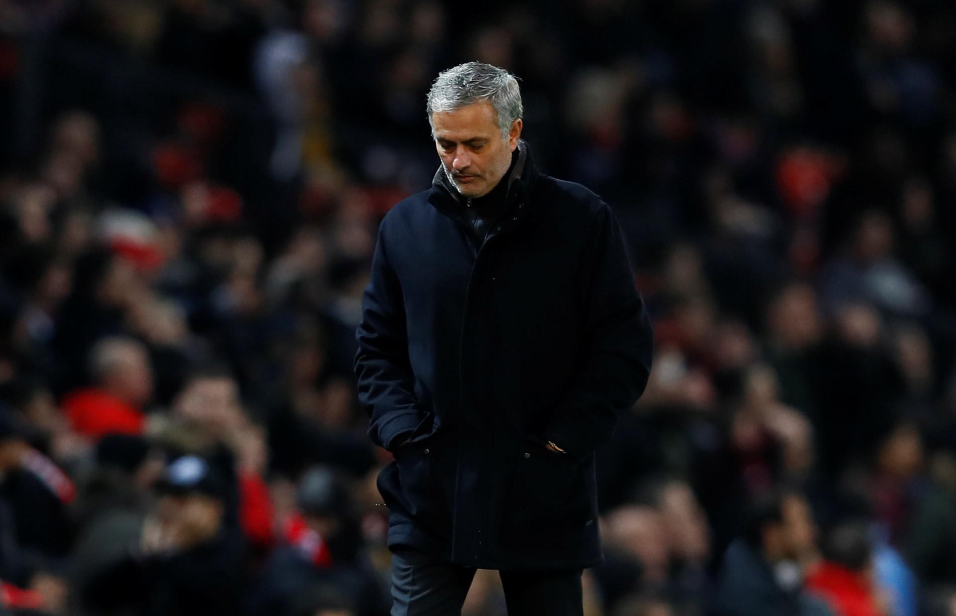 Imprensa internacional: O tombo de Mourinho em destaque após o 'Big Ben'