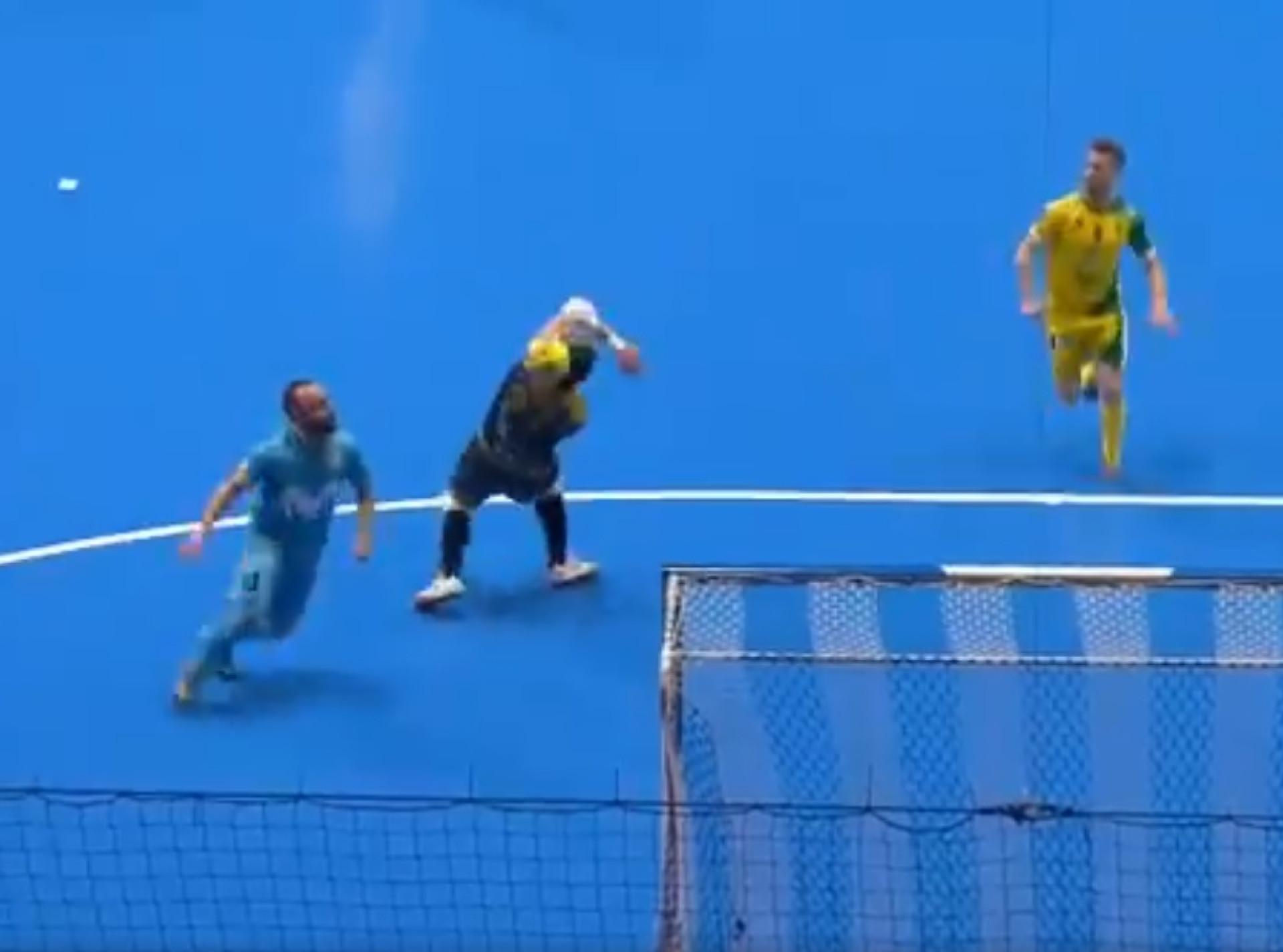 Incrível golo de Ricardinho na final da Taça de Espanha