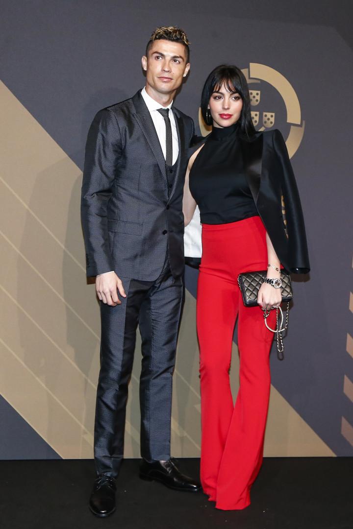 Cristiano Ronaldo e Georgina Rodriguez brilham na Gala Quinas de Ouro