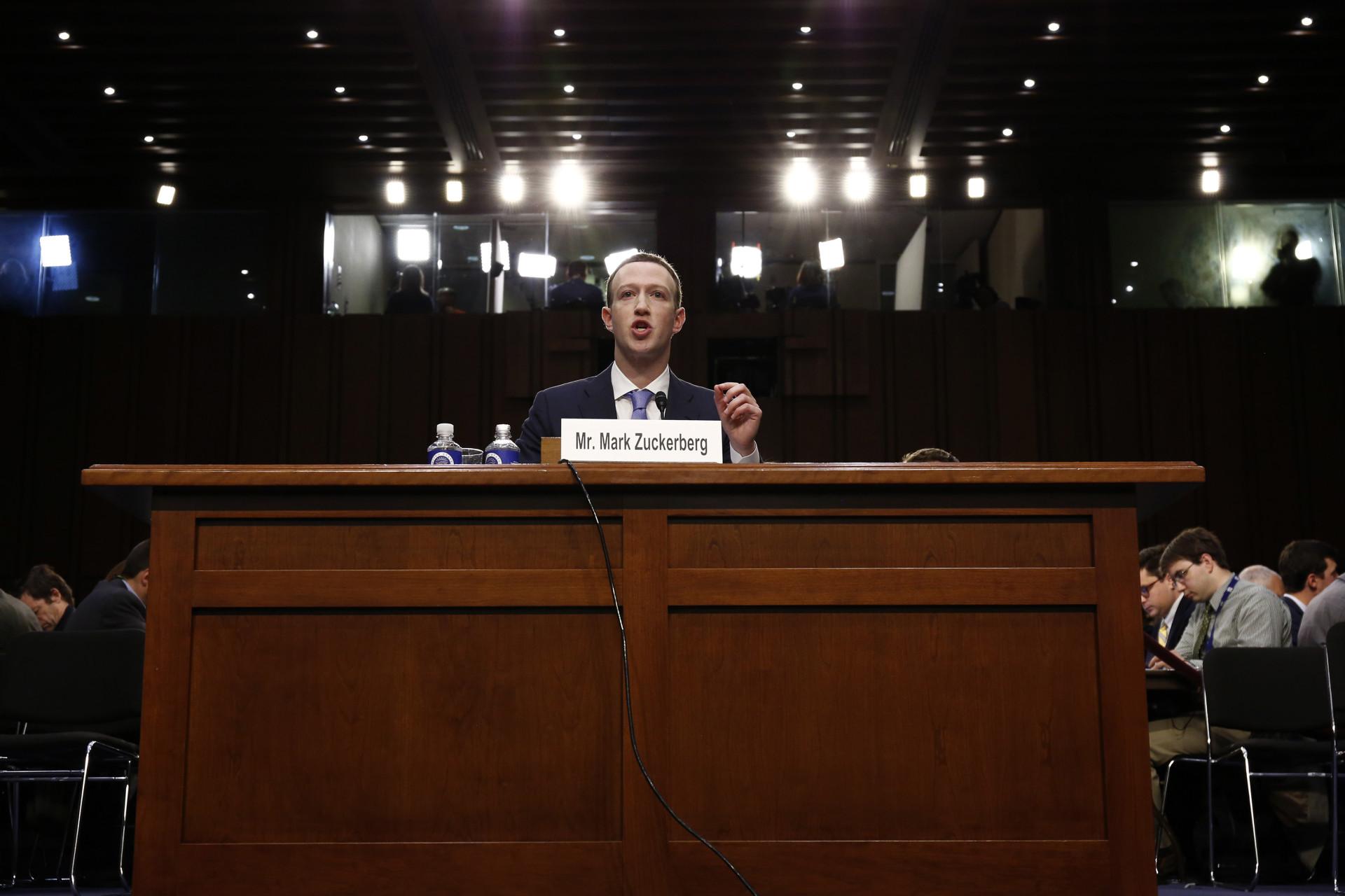 As perguntas e comentários mais insólitos das audiências a Zuckerberg