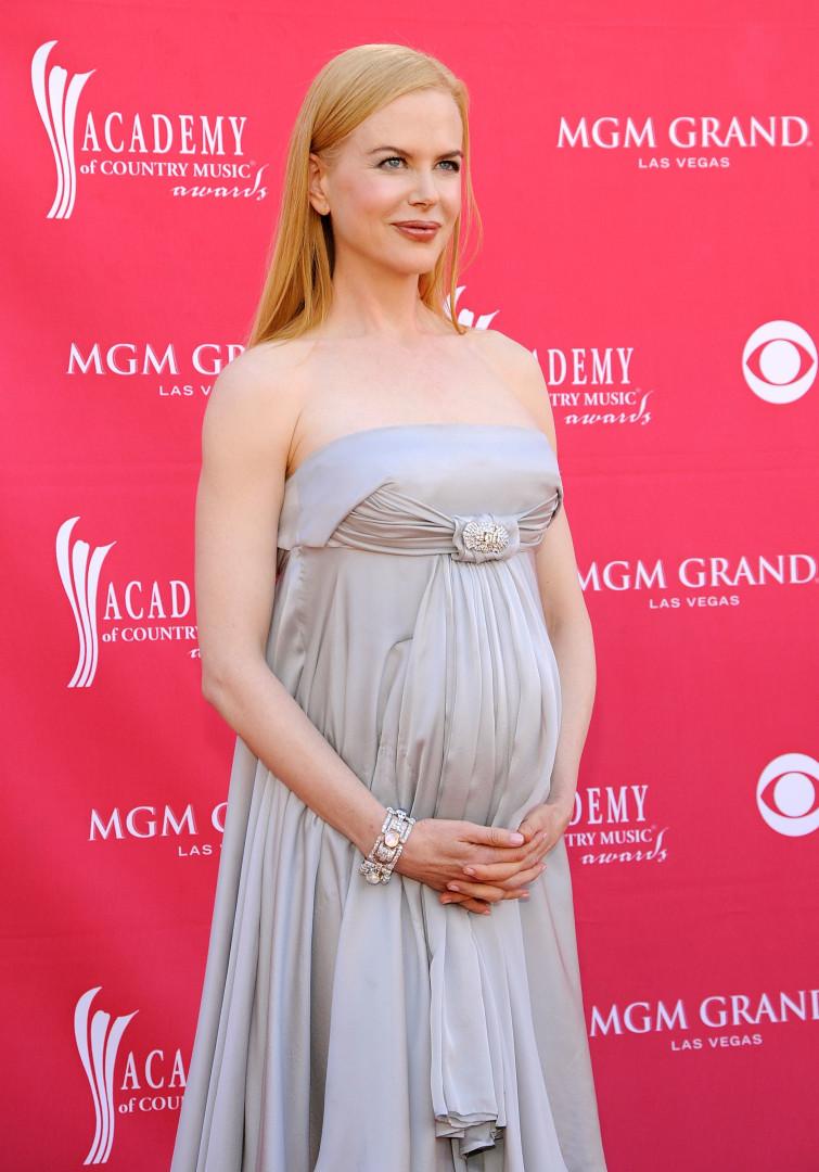 Estas famosas ficaram ainda mais bonitas grávidas